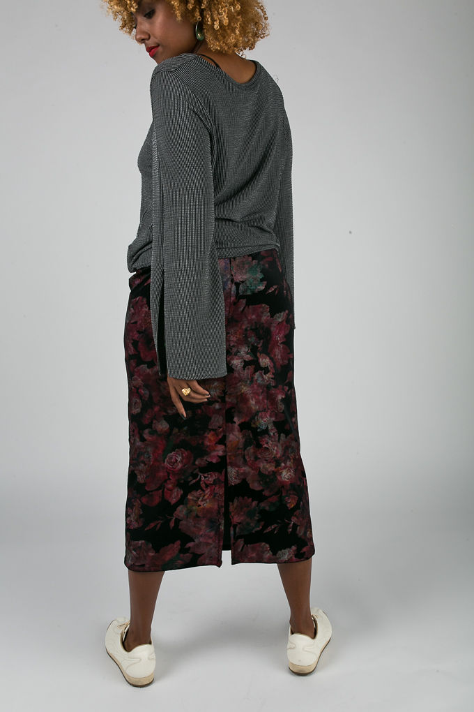 RSEE-LCM-Liveclothesminded-xmmtt-longbeach-7044-what to wear to work-midi skirt-bell sleeves-skirt with sneakers-fitfemme- work outfit ideas